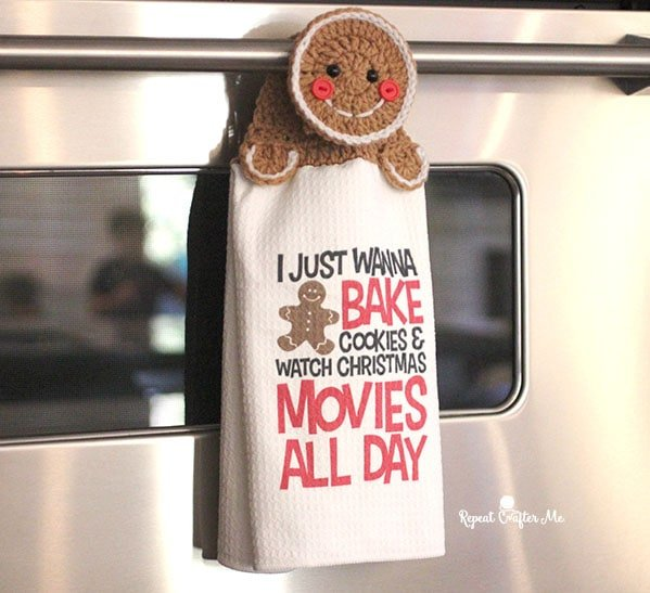 Gingerbread Towel Topper - Free Pattern Friday