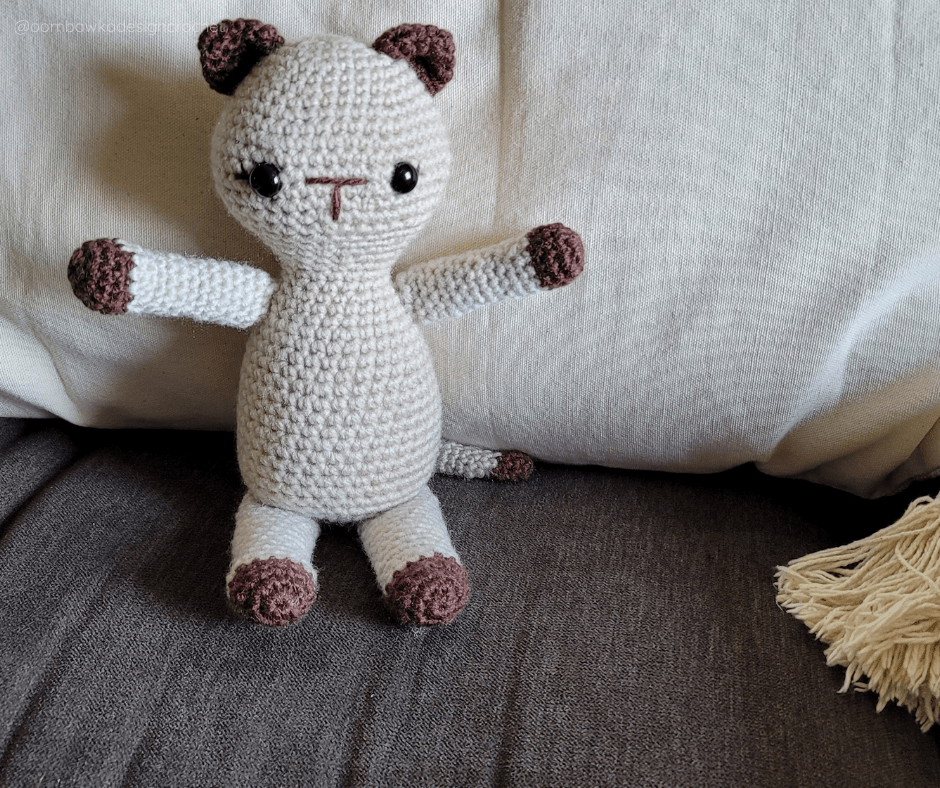 Kitten Crochet Pattern - Oombawka