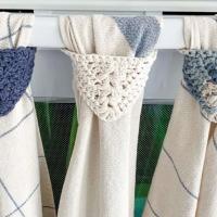 Modern Kitchen Towel Topper - Free Pattern Friday