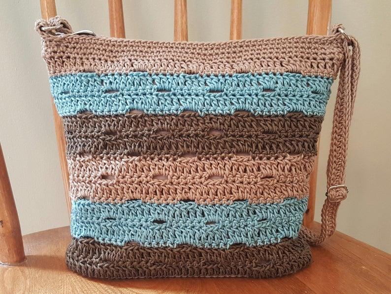 Eyelet Stripes Crossbody Bag Pattern
