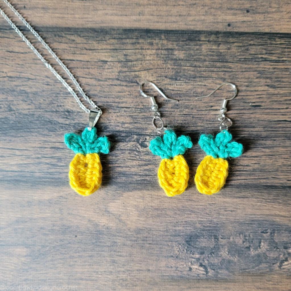 Quick Summer Pineapple Pendant and Earrings Crochet Pattern