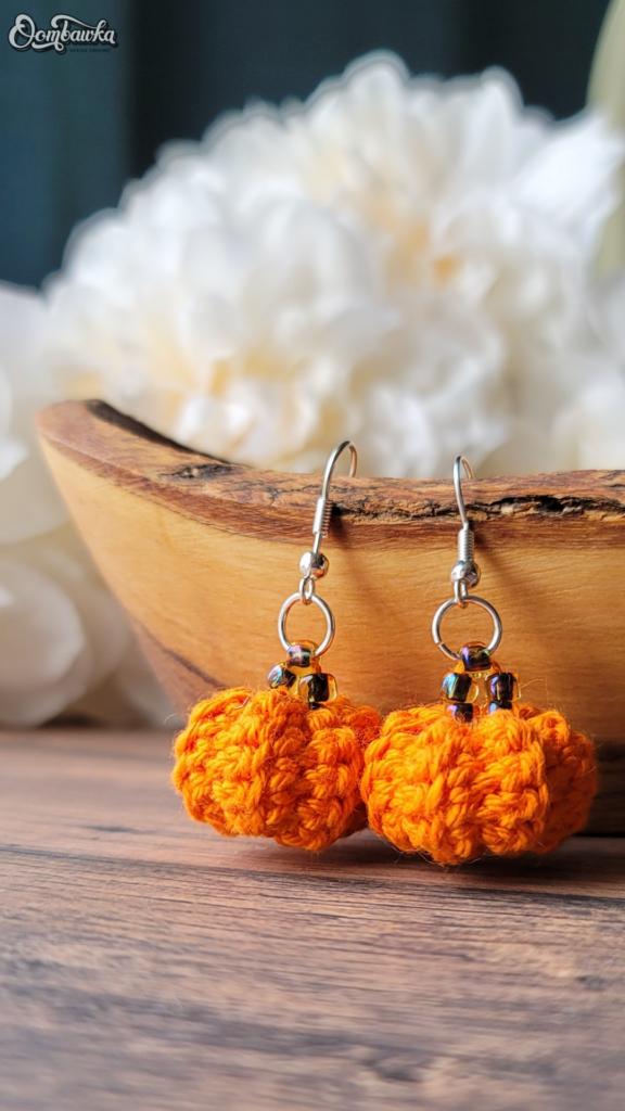 Little Pumpkin Earrings Crochet Pattern by Rhondda Mol