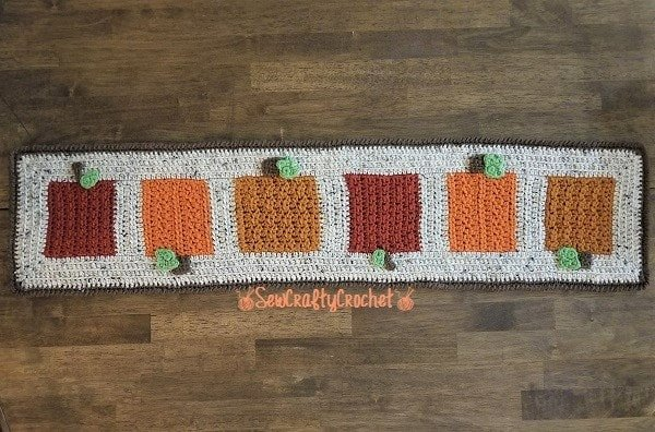 Orchard Table Runner - Link Party 417